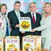 61.300 Unterschriften an die Regierung überreicht