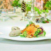 Gänselebermousse mit Salat