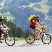 Senioren und E-Bikes: Sanfte Mobilität und ihre Gefahren