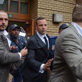 Prozessauftakt: Zeugin belastet Pistorius schwer