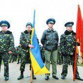 Ukrainische Soldaten marschieren auf