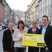 Tombola bringt 2000 Euro ein