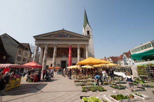 Zehn Prozent der Messepark-Kunden besuchen gerne den Dornbirner Markt, 45 Prozent shoppen in Messepark und Innenstadt.  VN/Rhomberg