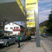 Billiges Tanken führte in Hittisau zu Stau