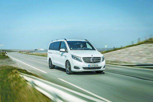 Aus dem Viano wird die neue V-Klasse: Pkw-Markengesicht und feinste Pkw-Fahreigenschaften. Fotos: werk