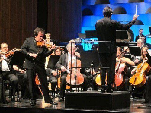 Das Russische Nationalorchester mit dem Solisten Sergej Krylov.  Foto: JU
