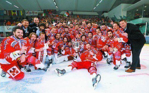 Der HC Bozen-Südtirol jubelt als erster nicht-österreichischer Klub über den Eishockey-Meistertitel in der Erste Bank Liga. Foto: gepa