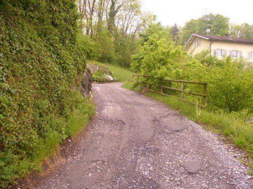 Der Kobelweg in Götzis sorgt für Missstimmung unter den Bürgern – die Gemeinde kündigt Verbesserungen an.   Foto: mima