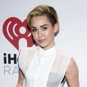Miley Cyrus liegt im Krankenhaus