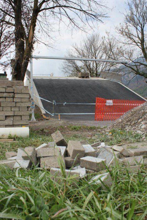 Die neue Startrampe der Bludenzer BMX-Anlage nimmt Form an.