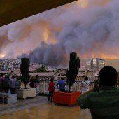 Feuerwalze bedroht chilenische Hafenstadt