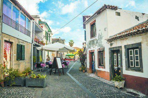 Die verträumte Altstadt ist nur eine der vielen Sehenswürdigkeiten, die Funchal zu bieten hat. Foto: anilah