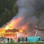 Die Zimmerei wurde ein Raub der Flammen.