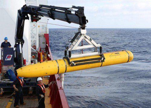 """Dieses U-Boot hätte das Wrack finden sollen, nun wurde auch diese Hoffnung zerschlagen – das Wasser sei zu tief für die """"Bluefin 21"""".  Foto: EPA"""
