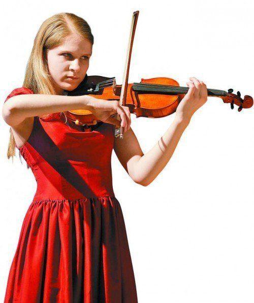 Erstaunliche Reife zeigte die 17-jährige Österreicherin Martina  Miedl beim Eröffnungskonzert.
