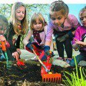 Der Schulgarten als zauberhafte Oase des Lernens