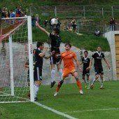 Leader Bizau besiegt Alberschwende im Wälderderby mit 2:0 – Knünz und Simma erzielten die Tore