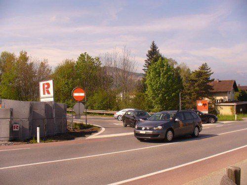 Für die Bauarbeiten bei der Autobahnabfahrt muss Altach etwa 110.000 Euro berappen.  Foto: Mima