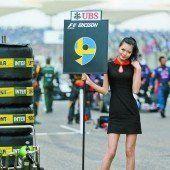 Formel-1-Models mussten sich im Freien umziehen