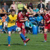Thüringen besiegte vor eigenem Publikum den FC Schruns. Doppelpack von Aaron Wittwer entscheidet das Spiel.