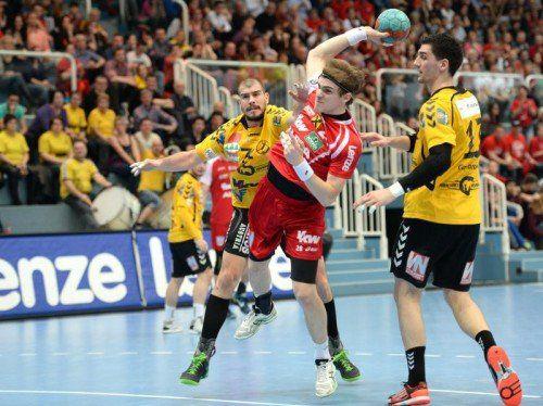 In der Halbfinalserie ab 9. Mai könnte es zum Duell zwischen Titelverteidiger Alpla HC Hard und Rekordmeister Bregenz kommen. Foto: gepa