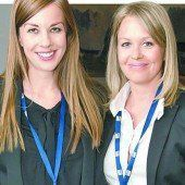 Lisa M. Innerhofer (l.) und Christina Soraperra (Si!kommunikation).