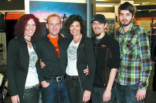 Luden zum Open House Event: GF Christine Waltner, Werner Domig, Anita Pichler, Patrick Hohberger und Jörg Loacker (v. l.).  Fotos: Franc