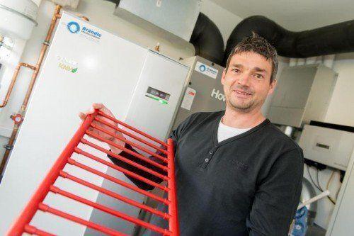 Markus Brändle besitzt die Auszeichnung zum zertifizierten Wärmepumpeninstallateur.  Fotos: VN/Stiplovsek