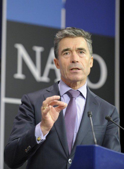 NATO-Chef Rasmussen schickt Drohung nach Moskau. reuters