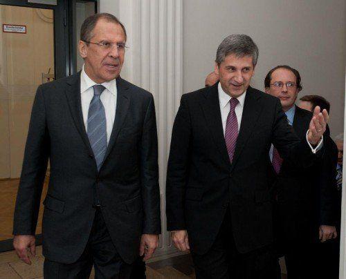 Russlands Außenminister Lawrow bestimmt Truppenabzug.  APA