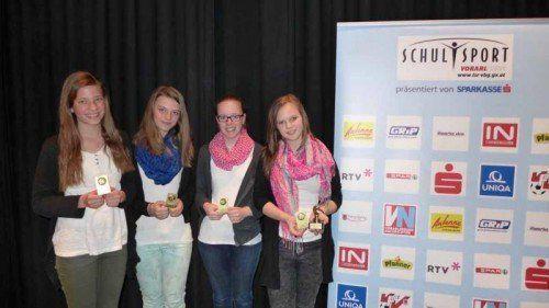Siegerteam Mädchen Hauptbewerb: Lena Strabler, Viola Huber-Sannwald, Beatrice Jäger und Helena Fey (BG Bregenz-Blumenstraße).