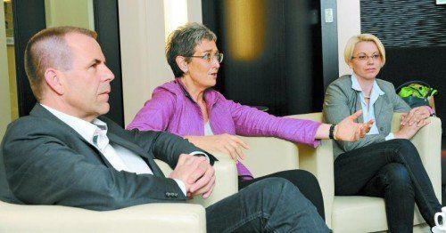 Spitzenkandidaten diskutierten hart, aber fair miteinander (v. l.): Harald Vilimsky, Ulrike Lunacek und Angelika Mlinar. Foto: Bernhard Holzner