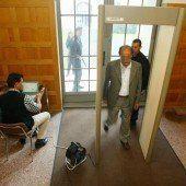 Sicherheitsschleusen bei Gerichten sehr effizient
