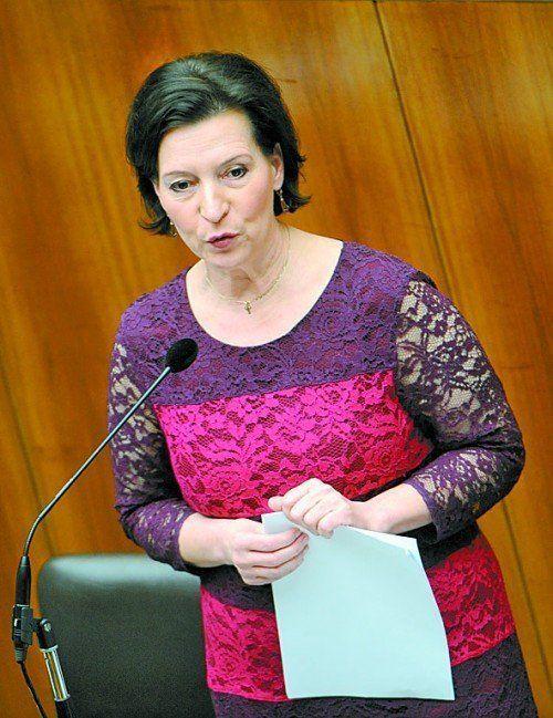 Umzingelt von Kritikern: Gabriele Heinisch-Hosek. Foto: APA