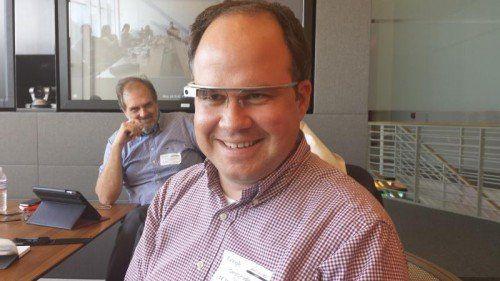 VOL.AT-Geschäftsführer Gerold Riedmann testete Google-Glass.