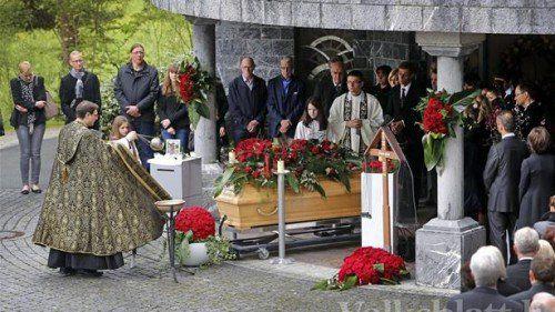 Zahlreiche Trauergäste nahmen von Frick Abschied.  Foto: ZVG