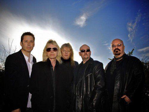 """Zu den bekanntesten Werken der Band zählen """"On A Storyteller's Night"""" und """"Wings Of Heaven"""" aus den 80ern."""