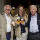 Maibaum-Premiere im Bregenzer Gösserbräu