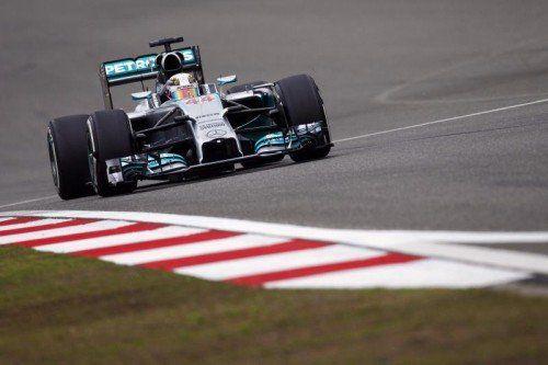 Zwei Mal Mercedes-Pilot Lewis Hamilton. Der Brite hofft auf seinen ersten Sieg-Hattrick. Fotos: Reuters/gepa