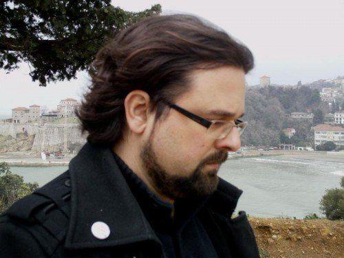 Autor Andrej Nikolaidis schreibt unterhaltsam und spannend.  Foto: Verlag
