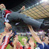 Jubel, Double, Heiterkeit: Bayern feiern Pokalsieg