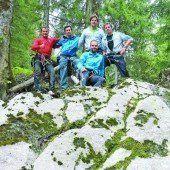Ski-Asse aus der Schweiz tanken Kraft im Wald