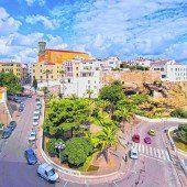 Kosmopolitische und historische Stadt Maó