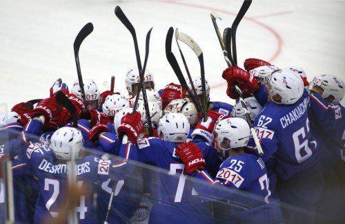 Die Eishockey-WM startete mit einer faustdicken Überraschung: Frankreich jubelte über einen 3:2-Sieg gegen Favorit Kanada. Foto: apa