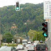 Schilder gegen unnötige Staus in Bregenz