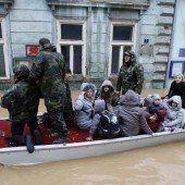 Nach Überflutungen drohen nun Erdrutsche