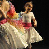 Kleine und große Tänzer