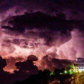 Das unheimliche Spiel der Wolken über dem Gebhardsberg