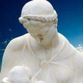 Gott als Frau und Mutter