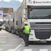 Den Grenzübergängen gehen die Zöllner aus